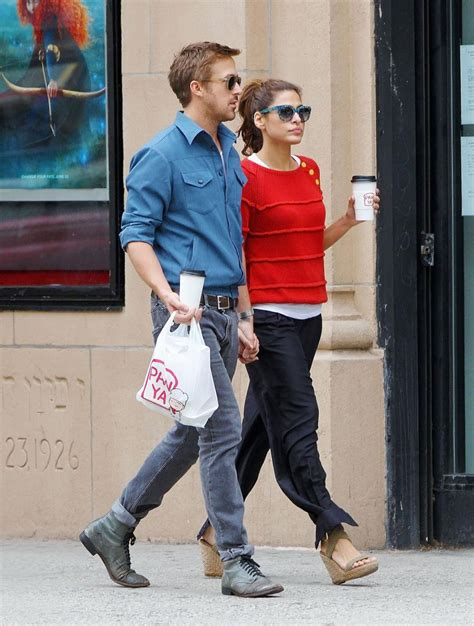 Eva Mendes pregnant, expecting first child with Ryan