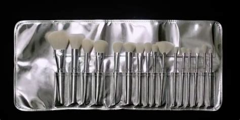 Kylie Cosmetics Silver Series Brush Collection - Kylie