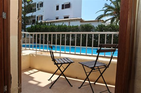 Cheap 2 bed apartment near Cala D Or, with a pool & close