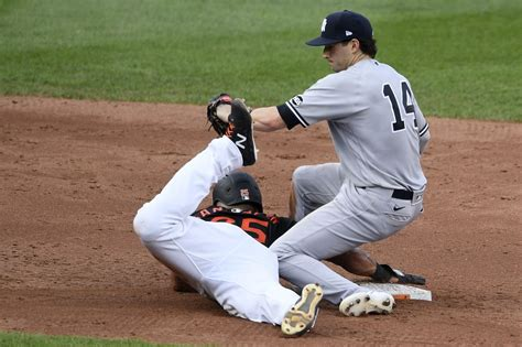 Yankees barely hold on, beat Orioles in extra innings