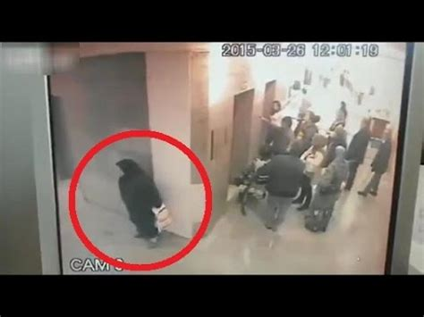 Old lady poops in the hospital hallway - Bligz