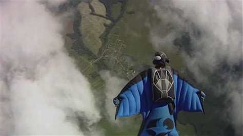 Wingsuit flying accidents