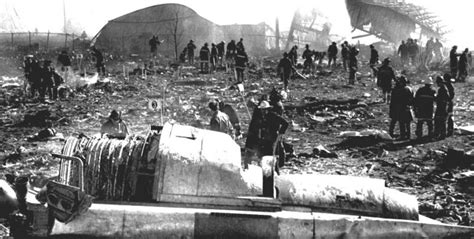 Crash of a Douglas DC-10-10 in Chicago: 273 killed