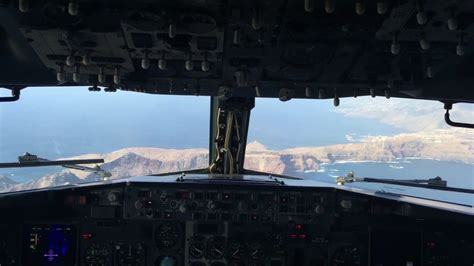 INCREDIBLE APPROACH FUNCHAL AIRPORT (COCKPIT VIEW) - YouTube